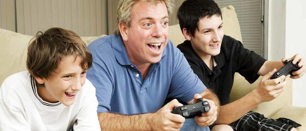 genitori videogiochi famiglia