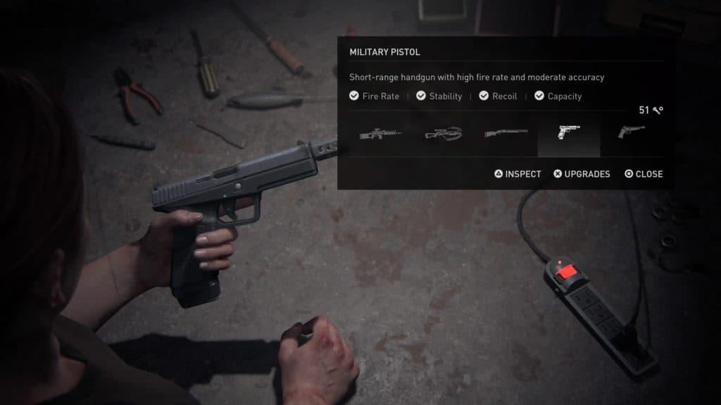 La pistola militare, l'arma di base di Abby