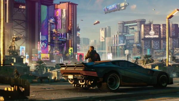 Il protagonista di Cyberpunk 2077 guarda verso Night City appoggiandosi alla sua auto