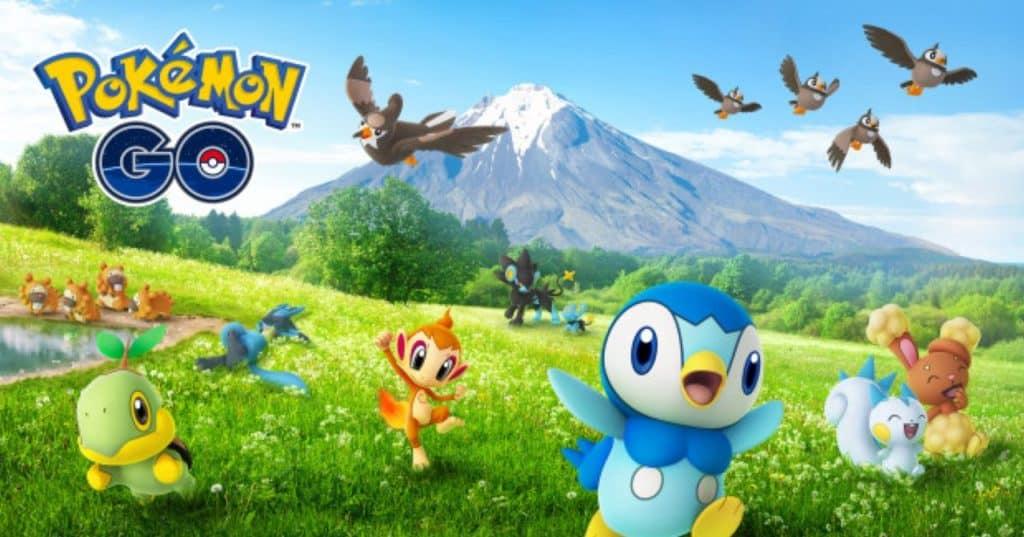 Piplup, Turtwig, Chimchar e altri Pokémon che corrono su un prato o in aria