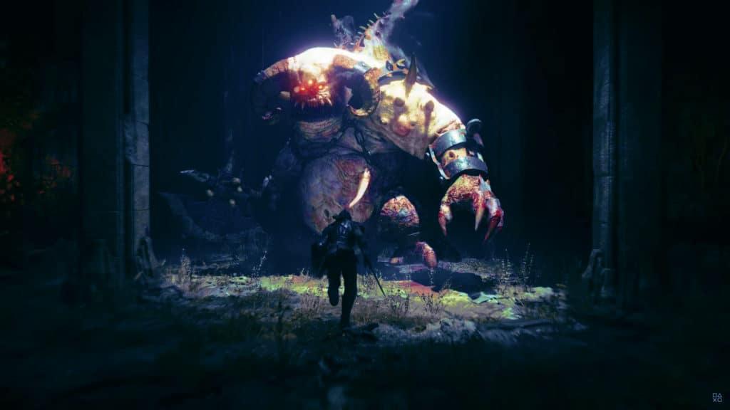 Demon's Solus remake recensione: il cavaliere Phate carica il boss Avanguardia come 11 anni prima.