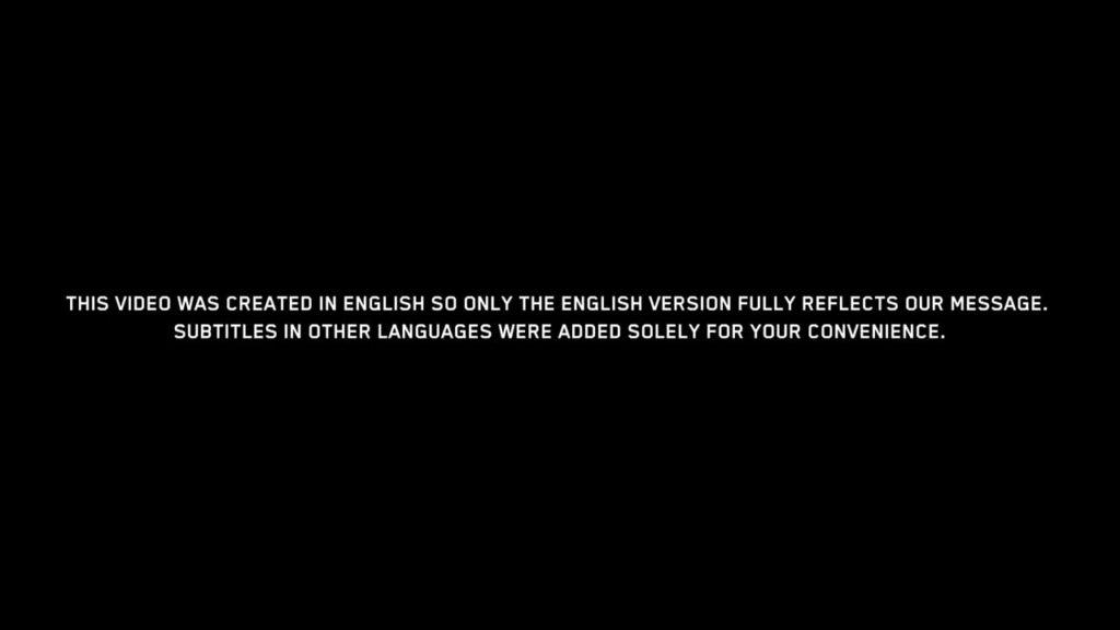 il disclaimer nel video di scuse di Cyberpunk 2077: il video è stato creato in inglese e quindi è solo la versione anglofona a riflettere pienamente il messaggio