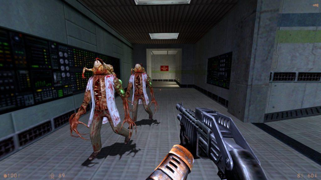 Gordon Freeman viene attaccato da degli Zombie