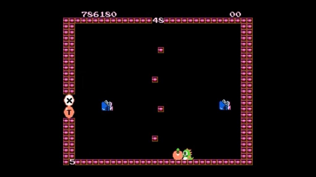 Bub davanti ad un pezzo di frutta pronto ad essere raccolto per accumulare punti. I nemici sono stati sconfitti e stanno per atterrare e trasformarsi in frutta anche loro