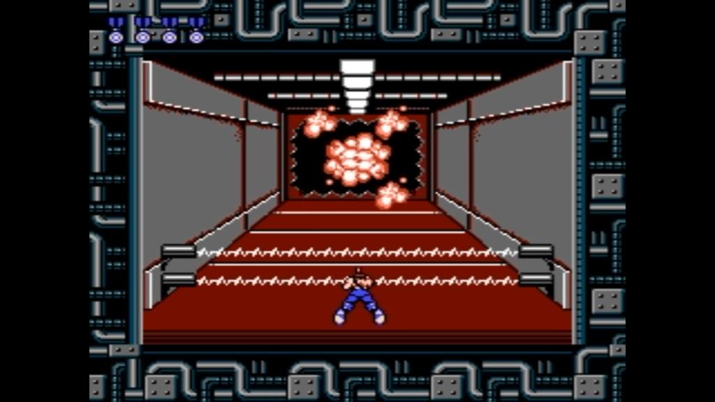 Il gioco fa percorrere un corridoio al giocatore con una visuale in terza persona
